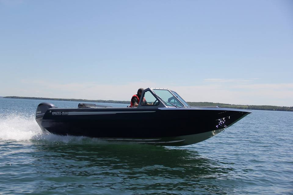 Outlaw Eagle Outboard Boat